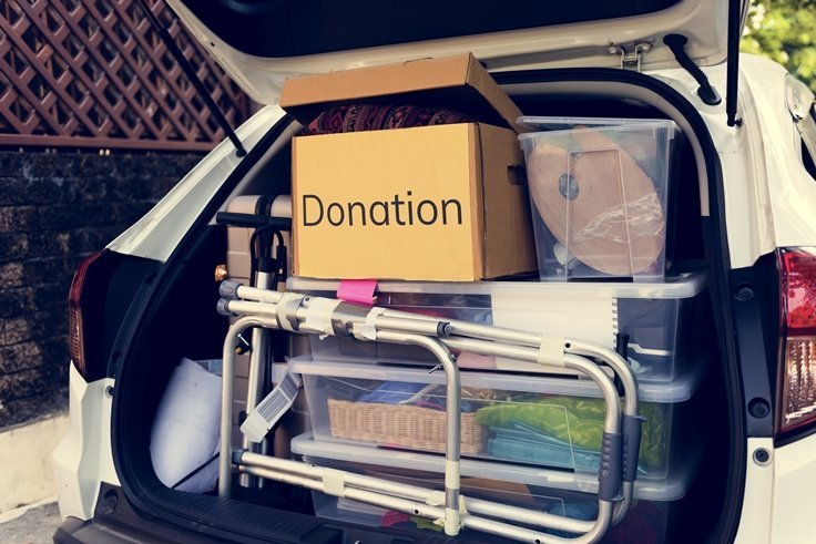 donations in the back of a car P8P6HN5 - 10 Organizing Fundamentals