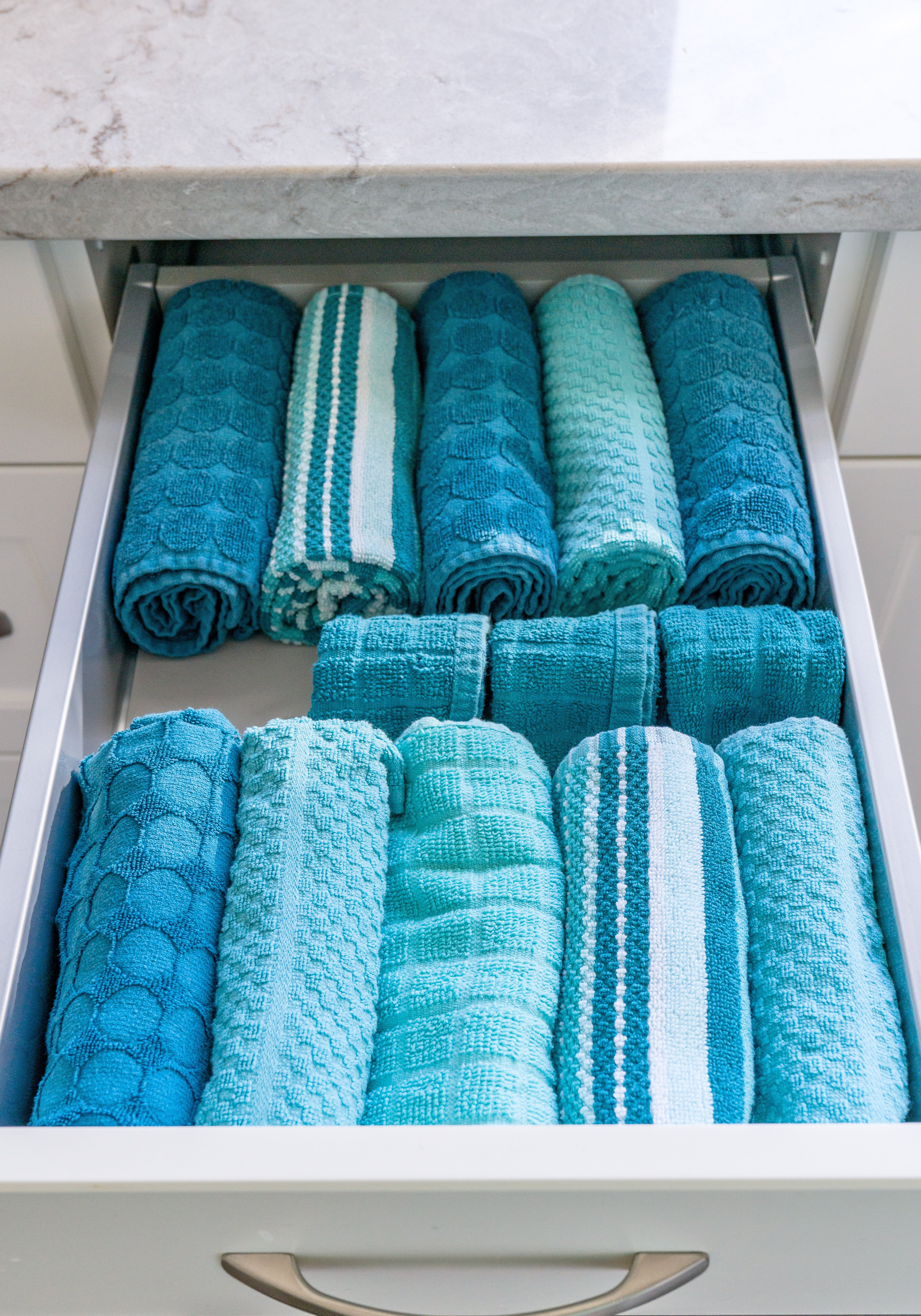 10 2kitchen drawer towels after - 10 Budget Home Organizing Products Under $20.00