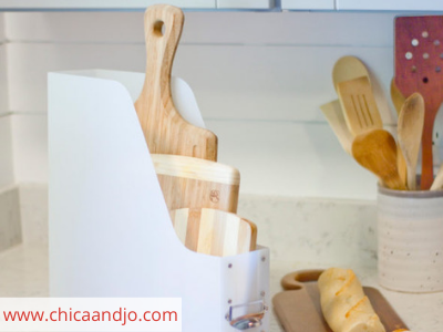 Canva cutting boards - ORGANIZING FAVOURITES: 20 WAYS TO ORGANIZE WITH MAGAZINE HOLDERS