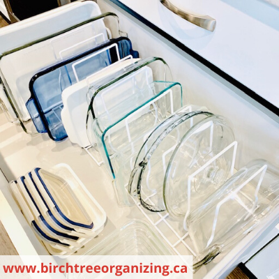 Canva casserole dishes - ORGANIZING FAVOURITES: 15 WAYS TO ORGANIZE WITH BAKEWARE RACKS