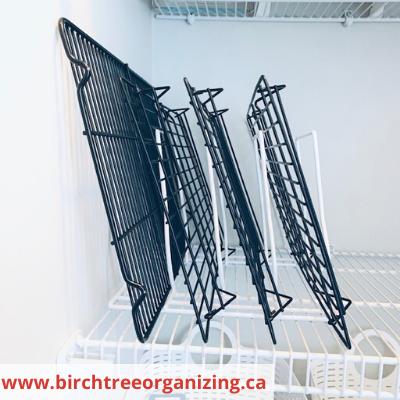 Canva cooling racks - ORGANIZING FAVOURITES: 15 WAYS TO ORGANIZE WITH BAKEWARE RACKS