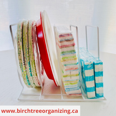 Canva paper plates and napkins - ORGANIZING FAVOURITES: 15 WAYS TO ORGANIZE WITH BAKEWARE RACKS