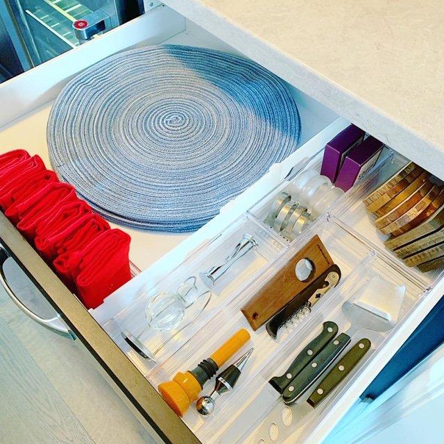 servnig drawer after - BAR & SERVING AREA