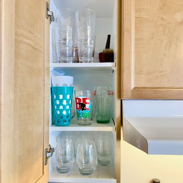 After glasses 1 - SMALL KITCHEN ORGANIZATION BEFORE AND AFTER PICTURES