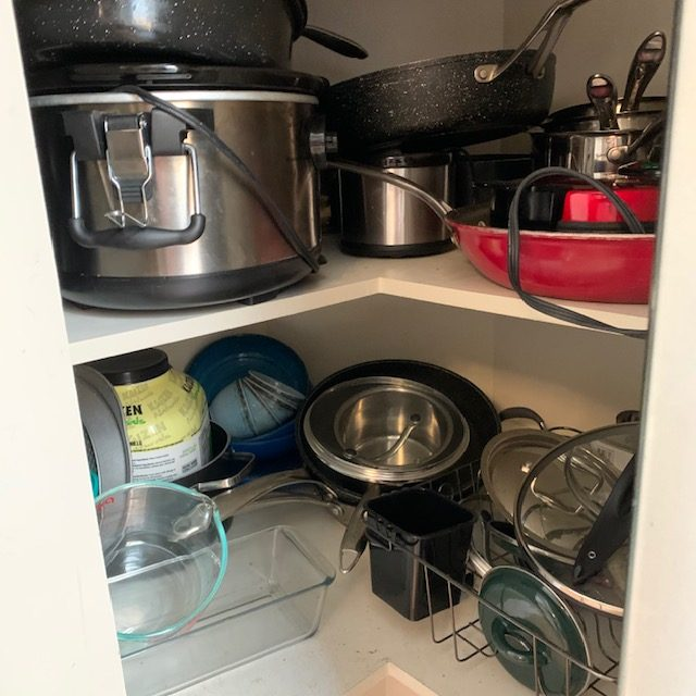 Before corner cabinet rotated - SMALL KITCHEN BEFORE AND AFTER PICTURES PART 2: CABINETS & DRAWERS