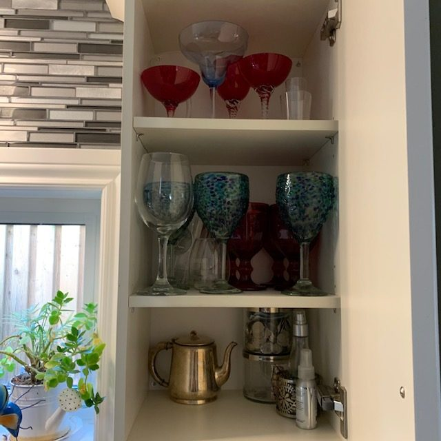 Before wine glasses rotated - SMALL KITCHEN BEFORE AND AFTER PICTURES PART 2: CABINETS & DRAWERS